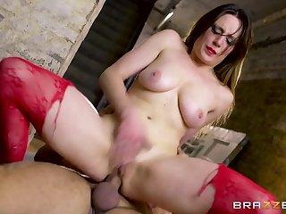 British Pornstar Loves Big Hawkshaw Anal