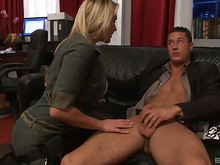 Shove around stripped MILF wants on every side impress her boss