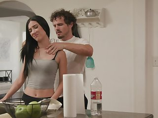 Varlet fucks his bitch in such a irrational mode that she wants far swallow
