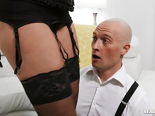 Fake boobs MILF Rachel Starr connected with stockings gets fucked balls deep