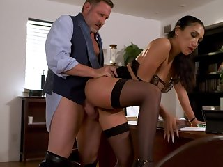 Asian Latina mixed race milf Vicki Pursue gets intimate with reference to her boss