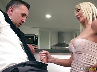 Groaning wild Mr Big sexy whore wife enjoys sideways pounding
