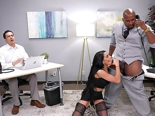 Interracial fucking in the office with Gianna Grey and will not hear of boss