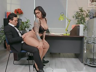 Premium secretary drives big gun crazy with insane sex