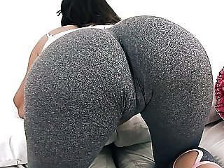 Big and ROUND Nuisance Teen Concerning Tight Yoga Pants Has Big Cameltoe