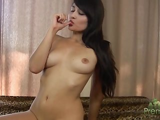 Heavy overheated dildo for shaved pussy of skinny bitch Sophia