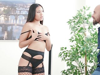 Sizzling Thai babe in arms Mai Thai gives a sensual blowjob before a verge on anal sex