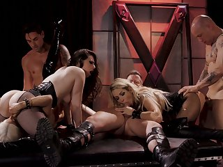 Wild and fabulous Jessica Drake takes part in experimental hot orgy