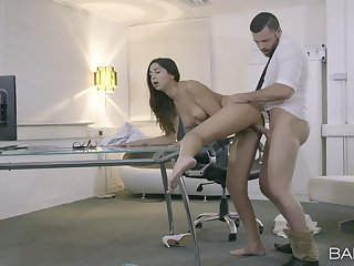 The hard wood hits say no to shaved cherry in a flawless position